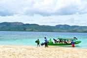 Passengers docking Paradise Island © Krystal Seecharan